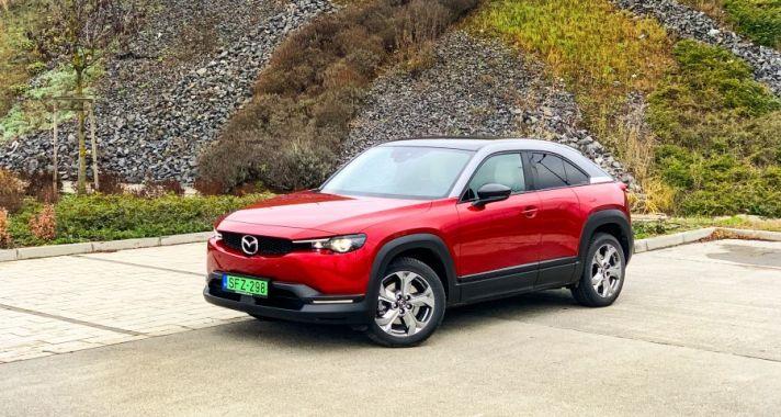 Az autó, amely nem elektromos akart lenni, de az lett – Mazda MX-30
