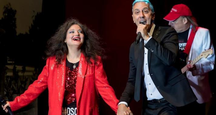 Csonka András és Szenes Andrea kézen fogva ünnepeltek a Szenes Iván koncerten