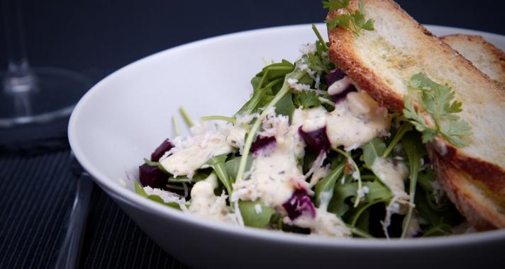 Könnyed ebéd: Cézár saláta