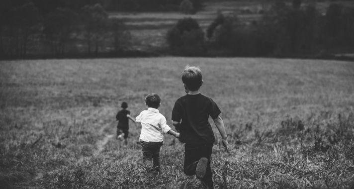 Vidéki gyermekévek